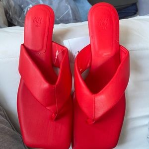 H&M Padded Red Kitten Heel Shoes Size 7